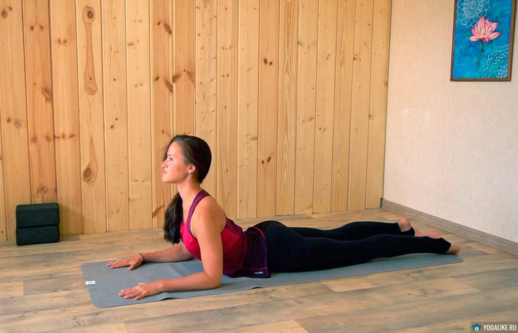 Поза Сфинкса - раскрываем грудь и тонизируем спину